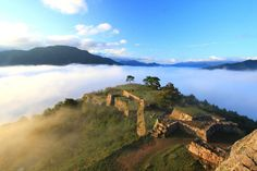 【死ぬまでには見たい絶景城】竹田城以外にもあった、国内の「天空のお城」6選 - Find Travel