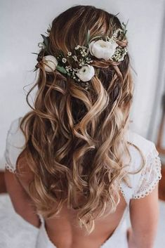 Wedding Hair Half Up Ideas ★ wedding hair half up curly textured loose curls o. - - Wedding Hair Half Up Ideas ★ wedding hair half up curly textured loose curls on blonde hair with white roses and greenery msalishanycole Wedding Hair Half, Wedding Hairstyles For Long Hair, Wedding Hair And Makeup, Wedding Updo, Down Hairstyles, Easy Hairstyles, Wedding Bride, Wedding Ceremony, Indian Hairstyles