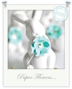 DIY - Paper Flowers for Easter; downside is that you have to invest in a paper punch to make it easy. Can still be down without one - make a template out of plain cardboard. Tissue Paper Roses, Crepe Paper Flowers, Diy Paper, Paper Crafts, Diy Crafts, Handmade Flowers, Diy Flowers, Easter Flowers, Small Flowers