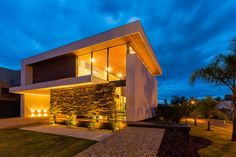 casa mediana y moderna