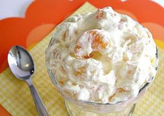 Orange Cream Fruit Salad is creamy, refreshing and delicious! It is so easy to make and is the perfect side dish for any meal!