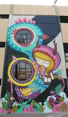 Julieta xlf with her work in Valencia. (LP)