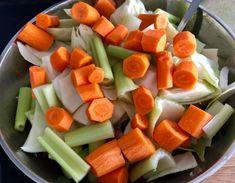 Łopatka wieprzowa pieczona z warzywami - bez tłuszczu - Blog z apetytem Calzone, Fruit Salad, Cantaloupe, Carrots, Cheese, Meat, Vegetables, Blog, Fruit Salads