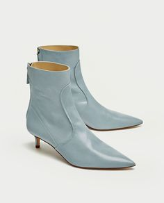 2e45c4a76a6 Shop Women s Zara Blue size 8 Ankle Boots   Booties at a discounted price  at Poshmark. Description  Sky blue mid-heel ankle boots with pointed toe  and ...
