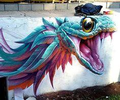 Яркий рисунок змеи