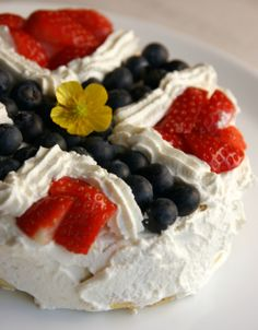 Lavkarbo 17. Mai kake. Low Carb norwegian cake.
