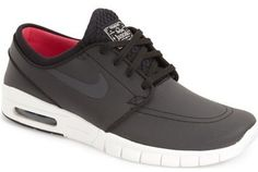 Minimalist style defines a sleek, sporty skate sneaker cut from breathable, lightweight materials for superior comfort and boardfeel. Removable insole. Textile upper and lining/rubber sole. By Nike