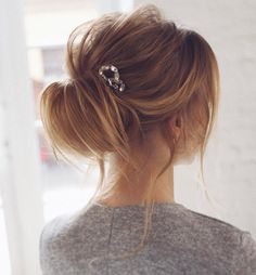 Loose updo hairstyle   pretty messy wedding updo hairstyle,updo hairstyle,messy wedding hairstyles for long hair