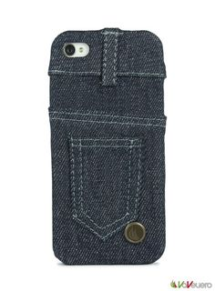 Denim fabric is all along symbol of hardness! It is the fabric born to protect and immediately began the symbol of dynamism and style. In the same way Vaveliero bring on your iPhone the same attributes of hardness, protection and style! Vaveliero denim jeans cover are made from a core of hard and lightweight plastic covered with an outer layer of true denim jeans fabric in two color variations.