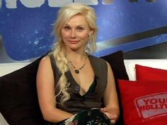 clare bowen from Nashville! Absoultely loveee her hair!