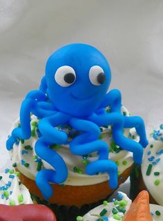 Octopus Cupcake ~ adorable!