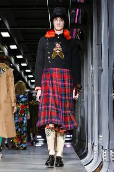 Gucci Fashion Show Ready to Wear Collection Fall Winter 2017 in Milan