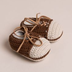 Hand Crochet Couro Laced Baby Shoes