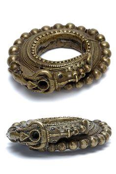 Indonesia ~ Sumatra, Toba | Man's bracelet; copper alloy | ca. 1852 - 1857