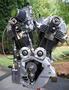 DesmoHarley – Italian American V Twin. Unique Harley Davidson engine with Ducati heads