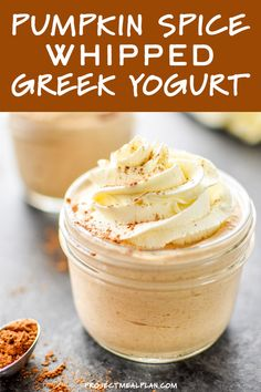 Pumpkin Spice Whipped Greek Yogurt - Pumpkin Spice Whipped Greek Yogurt is an incredible make-ahead protein packed dessert that tastes JUST LIKE pumpkin pie filling – made with plain Greek yogurt, canned pumpkin, and sweetened only with maple syrup. Pumpkin Yogurt, Pumpkin Spice, Canned Pumpkin, Cream Cheeses, Diet Dinner Recipes, Keto Recipes, Superfood, Keto Diet Vegetables, Veggies