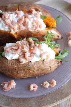 Gepofte zoete aardappel met Hollandse garnalen - Francesca Kookt!