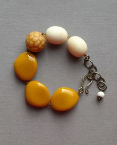 chunky rice bracelet  vintage lucite and brass by urbanlegend, $42.00
