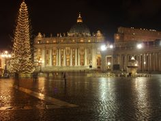 Christmas in St. Peter's Square    Rome, Italy