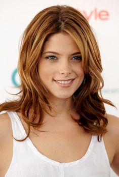 Your Friday Date Night Inspiration: Ashley Greene's Gorgeous, Barely-There Makeup! Hair Color Highlights, Red Hair Color, Ashley Greene Hair, Red Hair Celebrities, Barely There Makeup, Beautiful Redhead, Summer Beauty, Belleza Natural, Celebrity Hairstyles