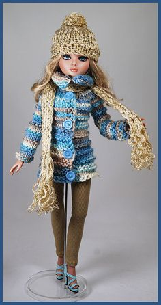 Barbie Dress, Barbie Clothes, Diy Clothes, Crochet Doll Dress, Knitted Dolls, Knitting Dolls Clothes, Crochet Clothes, Barbie Wardrobe, Barbie Patterns