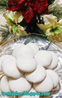 Torták és más finomságok: Finom, puha mézes puszedli Breakfast Recipes, Biscuits, Clean Eating, Food And Drink, Sweets, Cookies, Table Decorations, Desserts, Christmas
