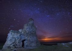 'This Ole House' - Porth Ysgaden, Llyn Peninsula (by Kristofer Williams) This Ole House, Irish Sea, Light Pollution, Sea Photo, North Wales, Milky Way, European Travel, Great Britain, Trip Planning