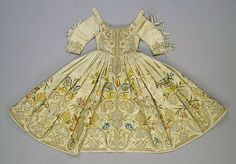 Child's Dress Embroidered with a Plant Motif, Late 17th - Early 18th century, Germany
