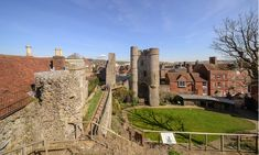 Lewes Castle Wall Collapses Leading to Search for Casualties Lewes Castle, Castles In England, Dog Search, Archaeology News, Castle Wall, Local Police, Old Wall, 11th Century, Picture Credit
