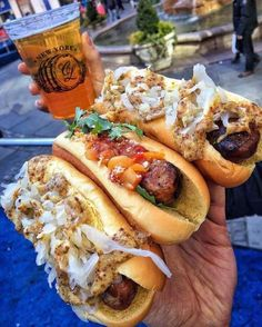 Images and videos of hot dog food I Love Food, Good Food, Yummy Food, Hot Dog Recipes, Best Food Ever, Le Diner, Food Goals, Aesthetic Food, Food Cravings