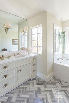 bathroom | Tinsley Hutson-Wiley Interior Design
