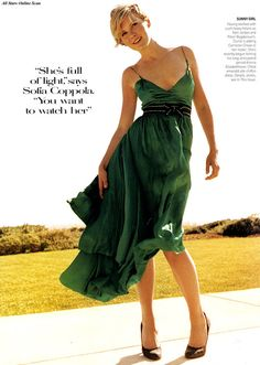 Kirsten Dunst by Mario Testino for Vogue US (July 2004). Chloédress.