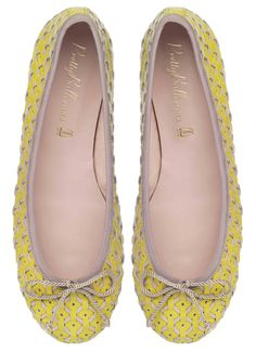 This is great fun - hand woven lemon yellow patent and leather - shapes to the foot and also lets your toes breathe
