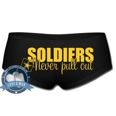 Soldiers never pull out underwear - LOVEANDWARCLOTHING