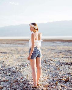 @marinehasfreckles • Kissed by the light • Il y a quelques jours nous sommes allés dans la Vallée De La Mort, l'un des endroits les plus chauds de la Terre.… Freckles, Summer, Instagram, June, Style, Death Valley, Earth, Summer Time, Verano