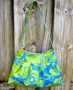 Blue Susan makes: Lucy Pleated Bag Tutorial