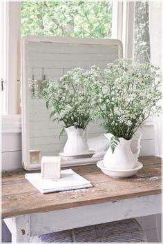 white on white, cottage, rustic, farmhouse White Cottage, Cottage Style, Farmhouse Style, Farmhouse Decor, White Farmhouse, Farmhouse Pitchers, Corner Deco, Deco Champetre, Shabby Chic