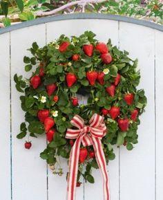 A strawberry wreath!