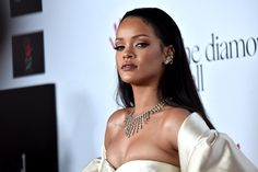 Rihanna: 'It's not my blame my connections finished'