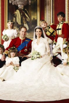 KATE, WILLIAM AND THE FLOWER GIRLS. ROYAL WEDDING.
