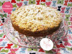 Apfel-Streuselkuchen mit braunem Zucker und Rum