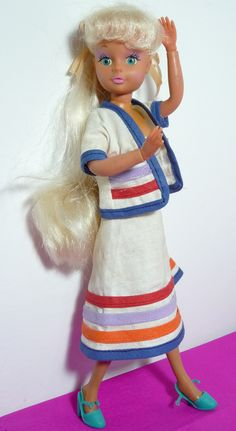 Bibi-bo doll by El Greco, the Greek version of Barbie ; Childhood Toys, Childhood Memories, Retro Toys, Old Toys, Vintage Dolls, Cartoon Characters, Fashion Dolls, Action Figures, Harajuku