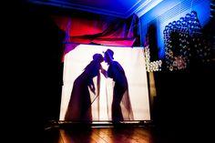 Bruidsfotografie schaduw dans openingsdans trouwfoto Brabant. Foto door Marijke Krekels Fotografie