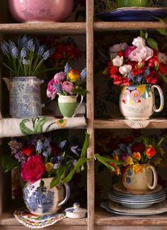 Vasos feitos com bules e chaleiras antigas 005