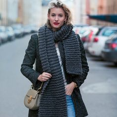 Editors Pick: The Chunky Scarf Top Bloggers Are Obsessed With