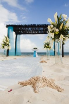 Destination wedding decor at #SecretsResorts  achangeoflatitude.net
