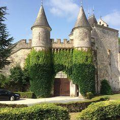 Castle for real... #france #niggaiminreaplisse #janisnotturnt  #chateaudelisse