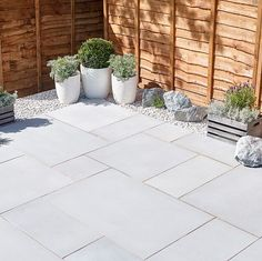 Garden slabs - Silver grey Sawn natural sandstone Mixed size paving pack B&Q for all your home and garden supplies and advice on all the latest DIY trends Garden Slabs, Garden Tiles, Garden Paving, Patio Slabs, Back Garden Design, Backyard Garden Design, Backyard Landscaping, Backyard Ideas, Big Garden