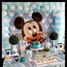 Look at this awesome party that Piñatas and Tutus from Netherlands put together with our Baby Mickey backdrop!