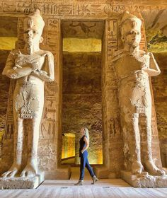 Abu Simbel temple is actuality one of the most enormous highlights, in upper Egypt, It is the best touristic destination that was built by King Ramses Places To Travel, Places To Visit, Old Egypt, Visit Egypt, Egypt Travel, Ancient Egyptian Art, Giza, Luxor Egypt, Belleza Natural